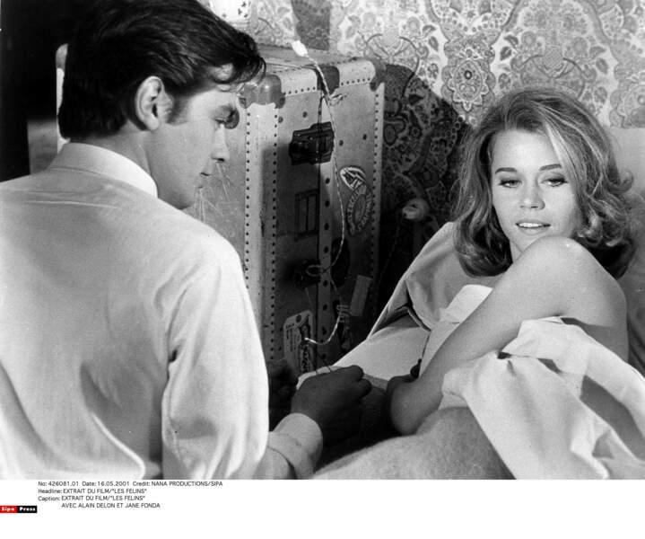 En 1963, Jane Fonda vient en France pour tourner le thriller Les Félins avec Alain Delon