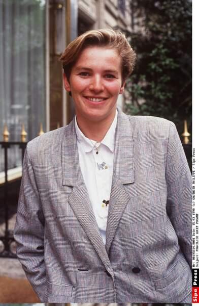 En 1990, Elise Lucet est à la présentation le 19-20 sur FR3