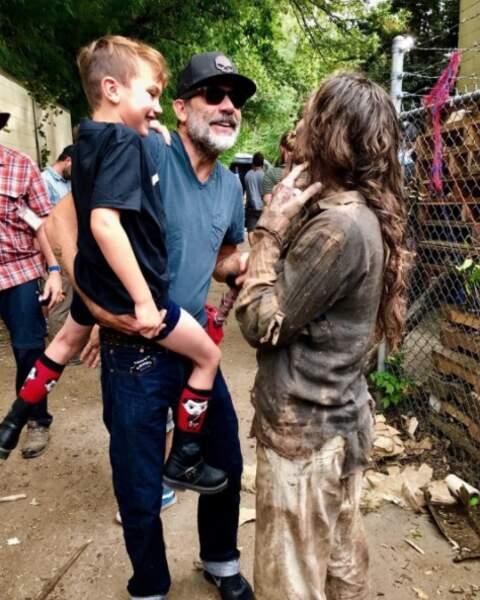 Quand Jeffrey Dean Morgan présente un zombie à son enfant.