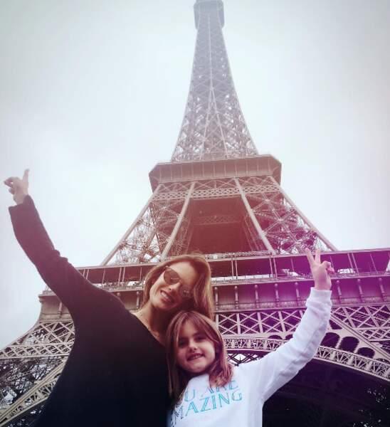 Alessandra Ambrosio et sa fille Anja ont fait un tour de l'Europe et sont passées par Paris.