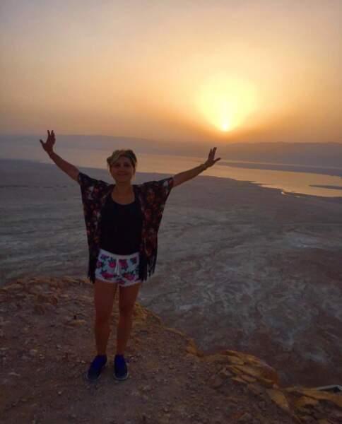 Vive la rando ! Bérengère Krief a escaladé la Montagne de Massada en Israël pour voir le lever du jour.