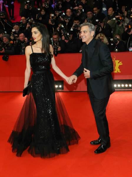 Toujours très amoureux, et très élégant, le couple a illuminé ce tapis rouge !