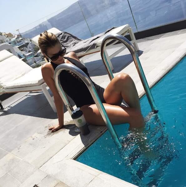 Bref, vous l'aurez compris, Mélanie profite bien du soleil grec...