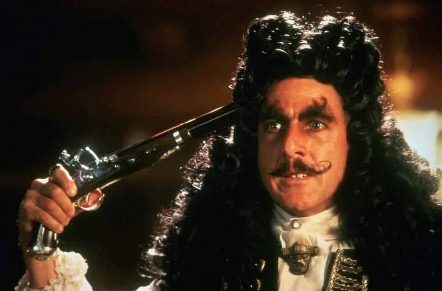 Une moustache très... artistique. Qui de Dali ou du capitaine Crochet a inspiré l'autre ?