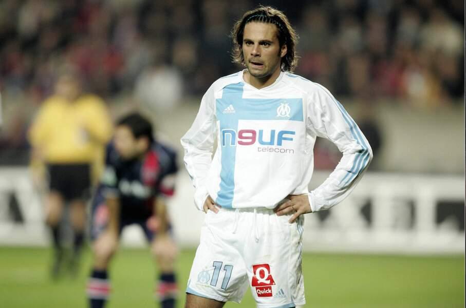 En 2004, son unique saison à l'OM, Fabrice Fiorese apparaît dans la série