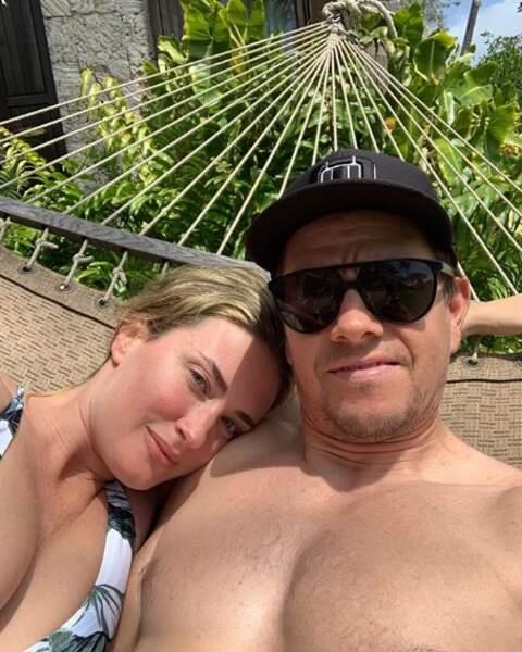 Un peu d'amour : Mark Wahlberg et sa chérie ont partagé le même hamac.