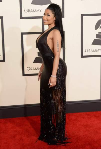 Nicki Minaj et son décolleté vertigineux