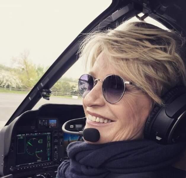 Attachez votre ceinture et PNC aux portes, c'est Sophie Davant qui conduit ce diaporama Instagram.
