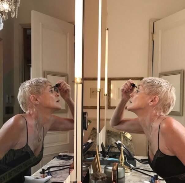 Sharon Stone aime la dentelle.