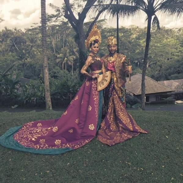 Et John Legend et Chrissy Teigen se sont mis à la mode locale à Bali !