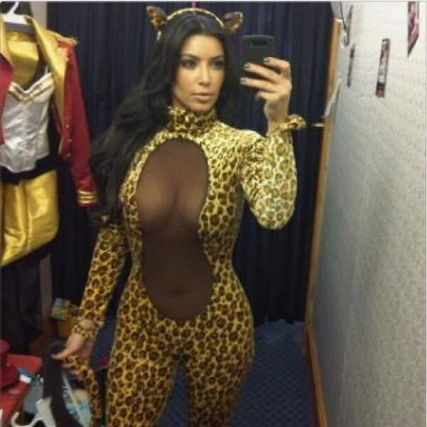 Kim Kardashian en mode tigresse