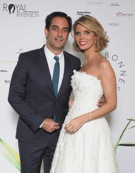 Sylvie Tellier heureuse au bras de son mari Laurent