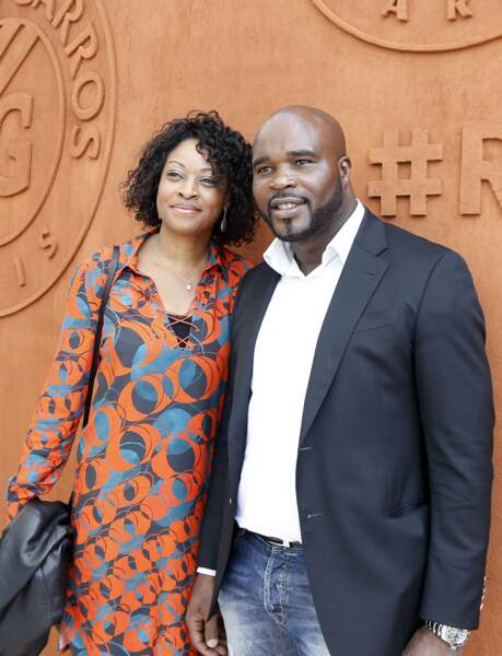 Le boxeur Jean-Marc Mormeck et son épouse découvrent le Village de Roland Garros