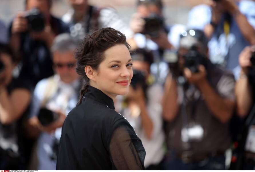 On aime bien se moquer d'elle, mais qu'elle est belle et talentueuse ! Marion, on t'aime en fait !