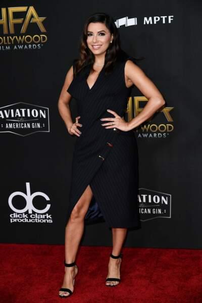 Eva Longoria a opté pour la robe fendue et les talons
