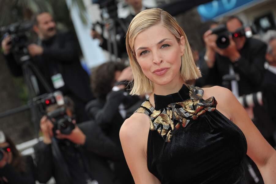 """Eleonore Boccara lors de la montée des marches pour le film """"Dheepan"""" au Festival de Cannes"""