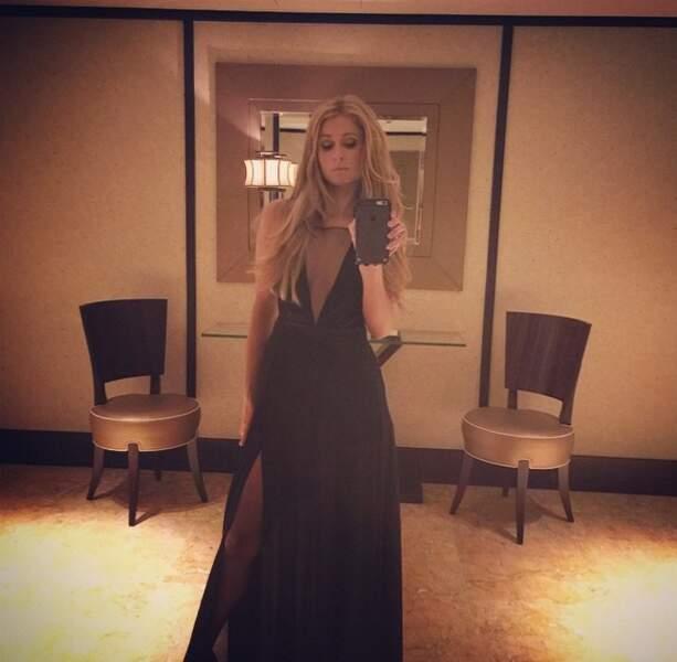 Passion selfie pour Paris Hilton