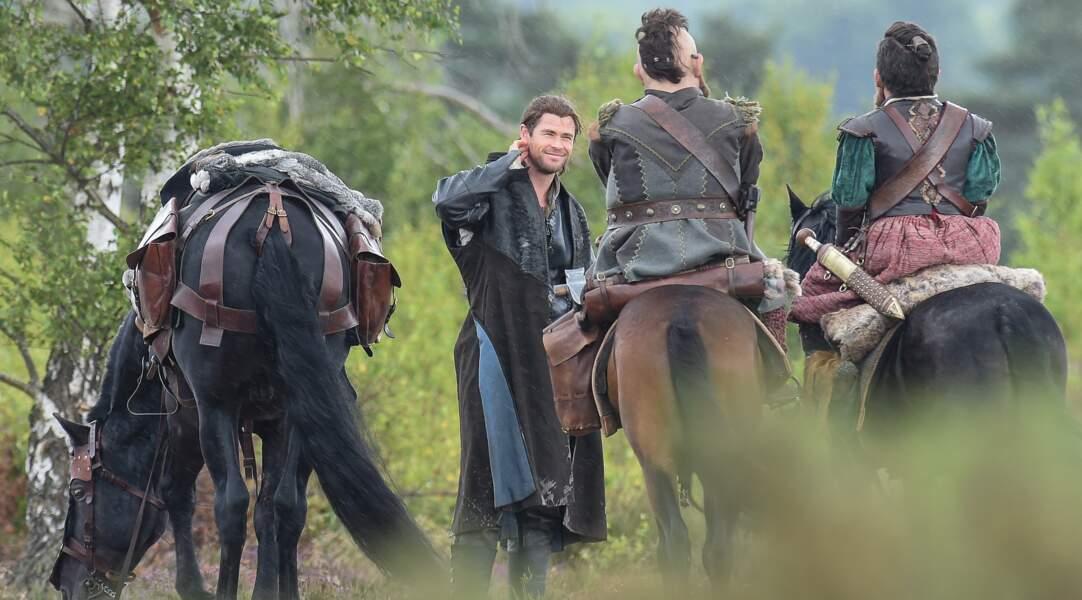Chris Hemsworth (Thor) sur le tournage de Blanche-Neige et le Chasseur 2