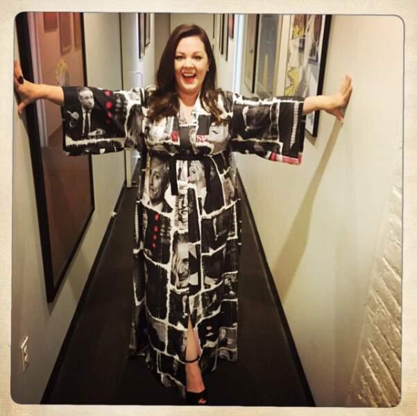 Quoiqu'il en soit, Melissa est rayonnante en toutes circonstances, y compris drapée en robe Jon Stewart !
