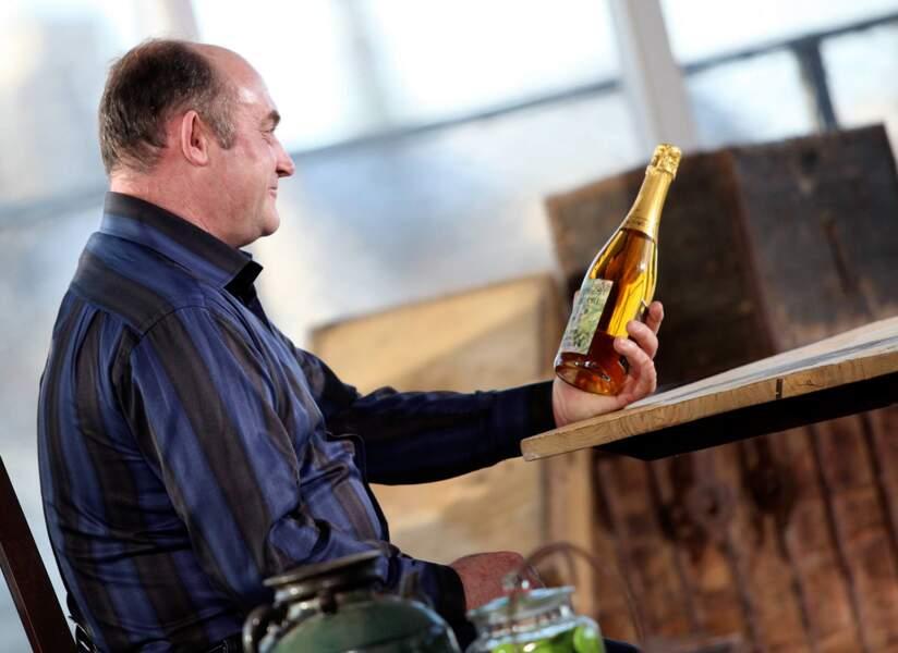 Didier a-t-il eu cette bouteille en cadeau ?