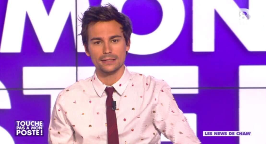 """Dans la catégorie """"cravate-gate"""" : Bertrand Chameroy, cravate rouge raccord avec la chemise... (mais pourquoI ?)"""