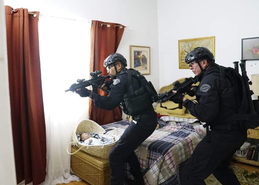 """""""Hondo"""" et Dominique Luca en opération pour protéger une famille"""