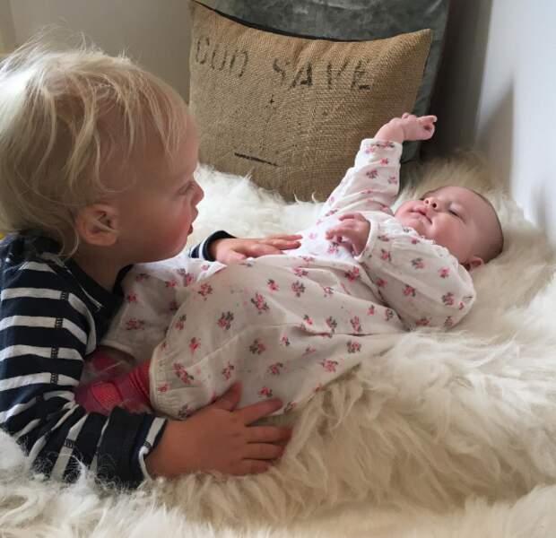 Sailor, le fils de Liv Tyler, est accro à sa petite soeur Lula.