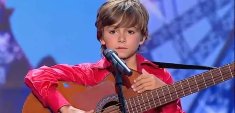 Esteban montre pour la première fois sa petite bouille dans La France a un incroyalbe talent en 2011