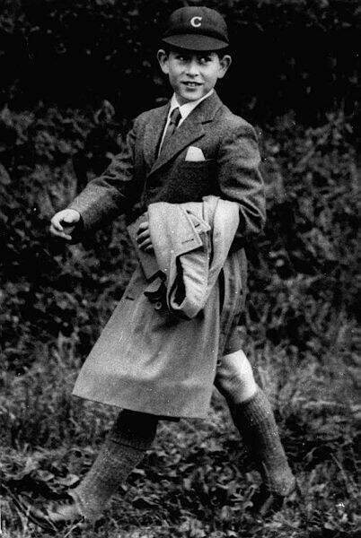 Le prince Charles (ici à l'âge de 10 ans en 1958) a été le premier héritier à aller dans une école