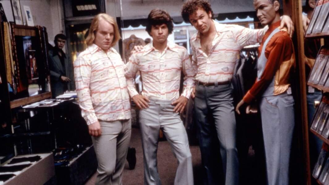 Philip Seymour Hoffman, Mark Wahlberg et John C. Reilly dans Boogies Nights (1997)
