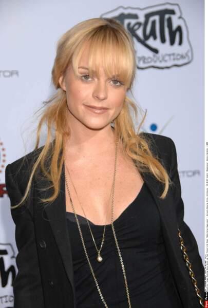 Voici Taryn Manning, l'actrice qui l'incarne à l'écran. En version blonde....