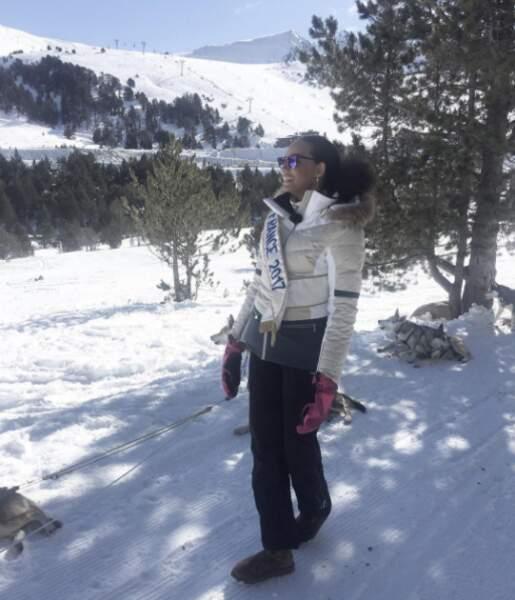 Alicia Aylies découvre les joies de la montagne.