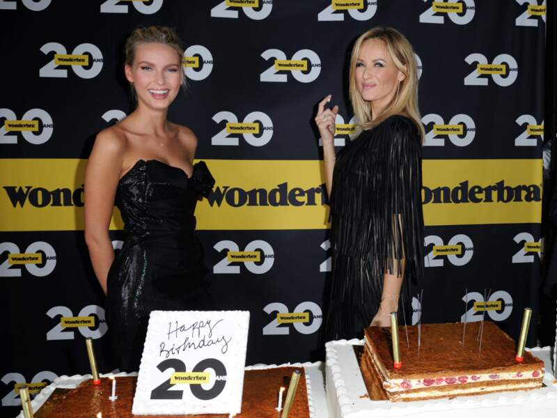 Adriana Cernanova et Adriana Karembeu lors de la soirée anniversaire des 20 ans de Wonderbra