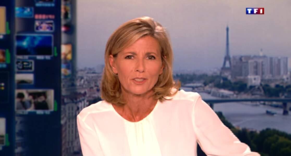 """Dans la catégorie """"faussement sobre"""" : Claire Chazal et son chemisier blanc...un peu transparent"""