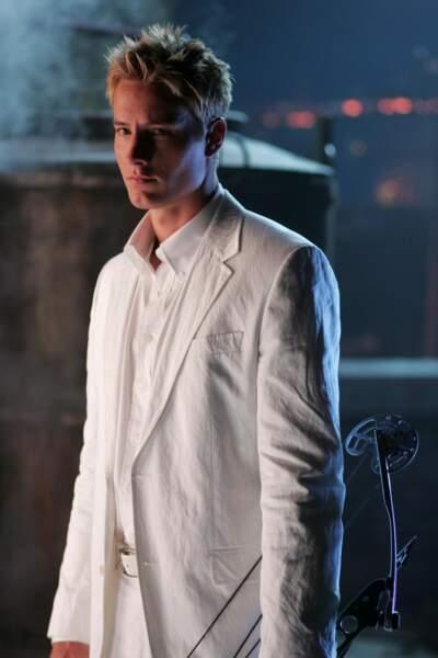 Mais voici le vrai amoureux de Lana : Olivier Green, alias l'Archer (Arrow) incarné par Justin Hartley