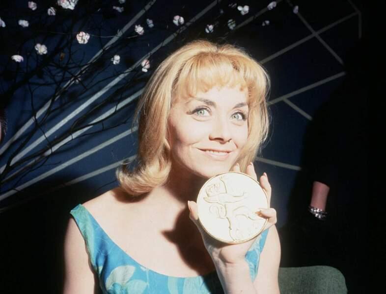 """En 1962, Isabelle Aubret défend la France avec le titre """"Un premier amour"""""""
