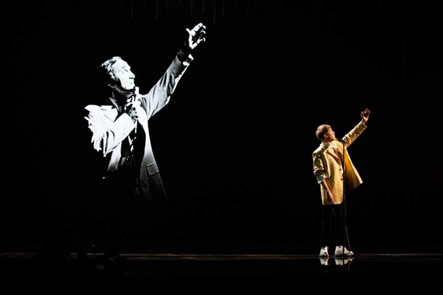 Eddy de Pretto a rendu un vibrant hommage à Charles Aznavour