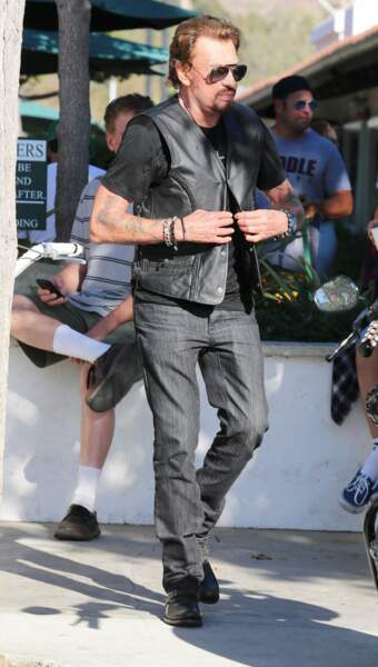 2014 : pour Johnny, le cuir se porte aussi bien en ville que sur scène