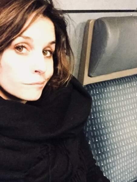 Faustine Bollaert, pas trop, surtout quand elle est coincée dans le train.