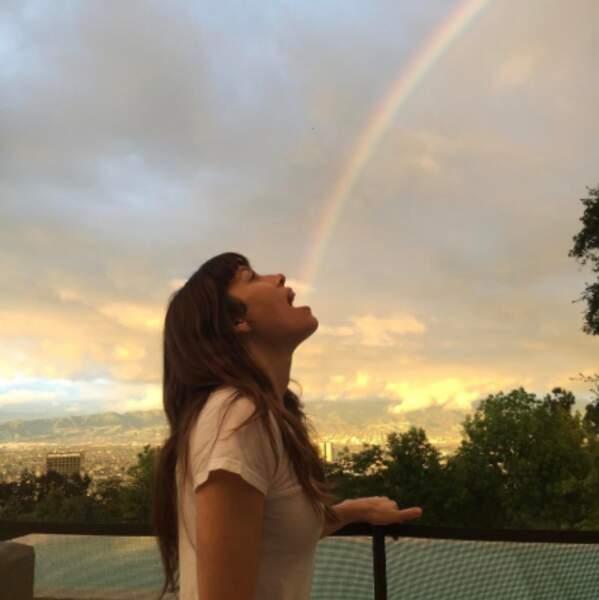 Et voyez la vie en arc-en-ciel. Vous pouvez même le manger, comme Jessica Biel.