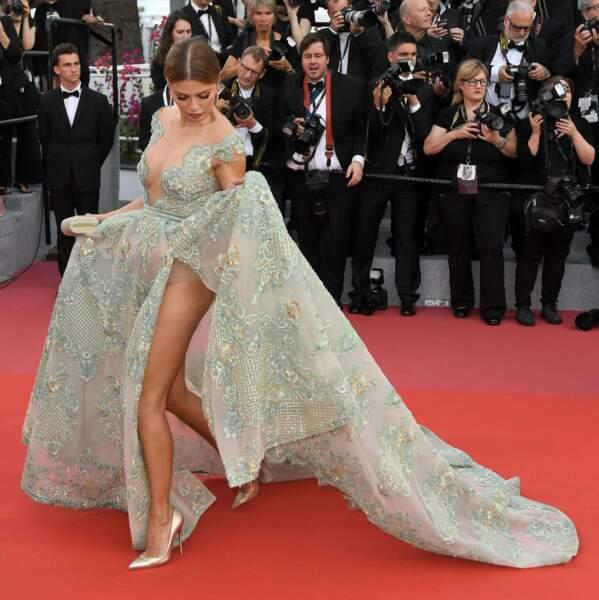 L'art délicat de se mouvoir en robe de soirée, Victoria Bonya l'a expérimenté