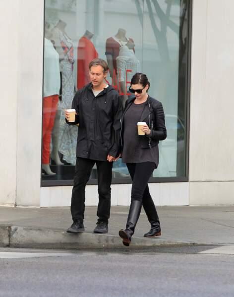 Premier enfant en vue pour Anne Hathaway et son mari Adam Shulman.