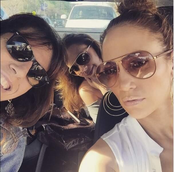 Y a-t-il un concours de lunettes bling bling entre Jennifer Lopez et ses copines ?