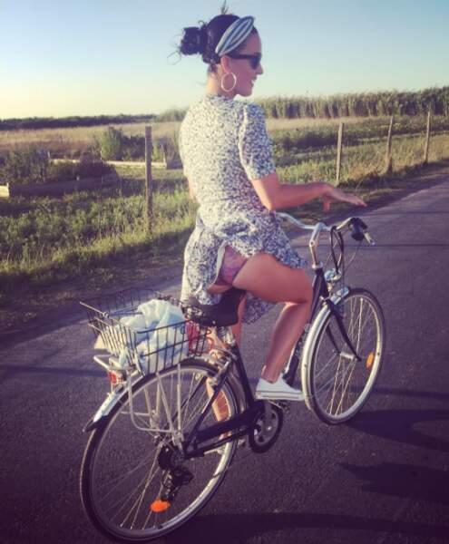 Mais l'activité sportive la plus tendance était sans conteste le vélo ! Attention, il y a du vent chez Katy Perry.