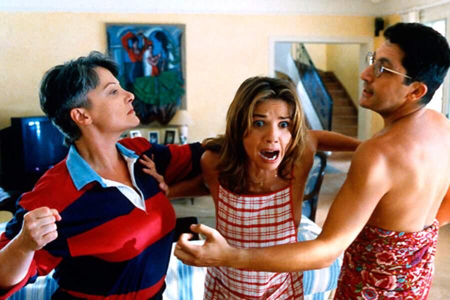Quand Josiane Balasko met à mal un couple marié, c'est dans Gazon maudit (1995)