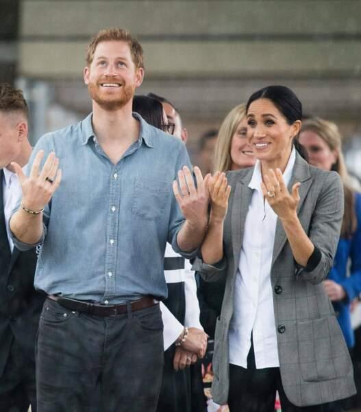 Malgré la pluie, Meghan Markle et le Prince Harry semblent très complices