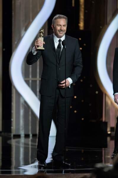 Kevin Costner est le meilleur acteur dans une fiction TV (Hatfields and McCoy).