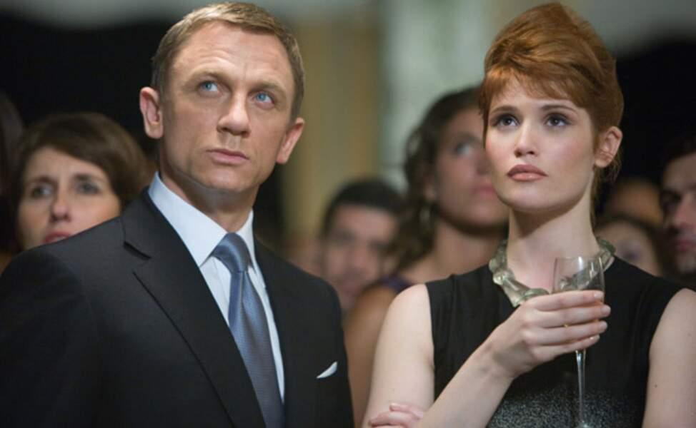 Daniel Craig et Gemma Arterton, inquiets, dans Quantum of Solace