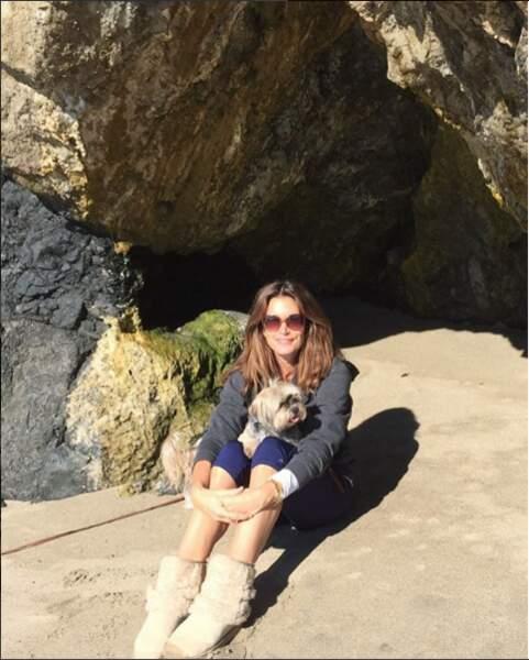 Ce qu'elle préfère ? Les promenades en famille et avec ses chiens sur la plage.