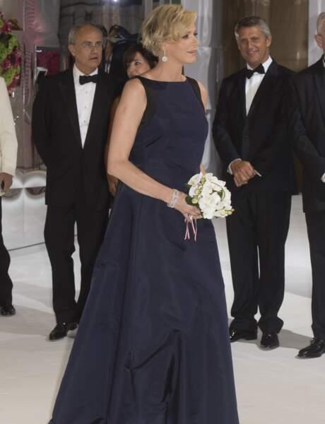 Charlène de Monaco dévoile son joli ventre rond avec discrétion.